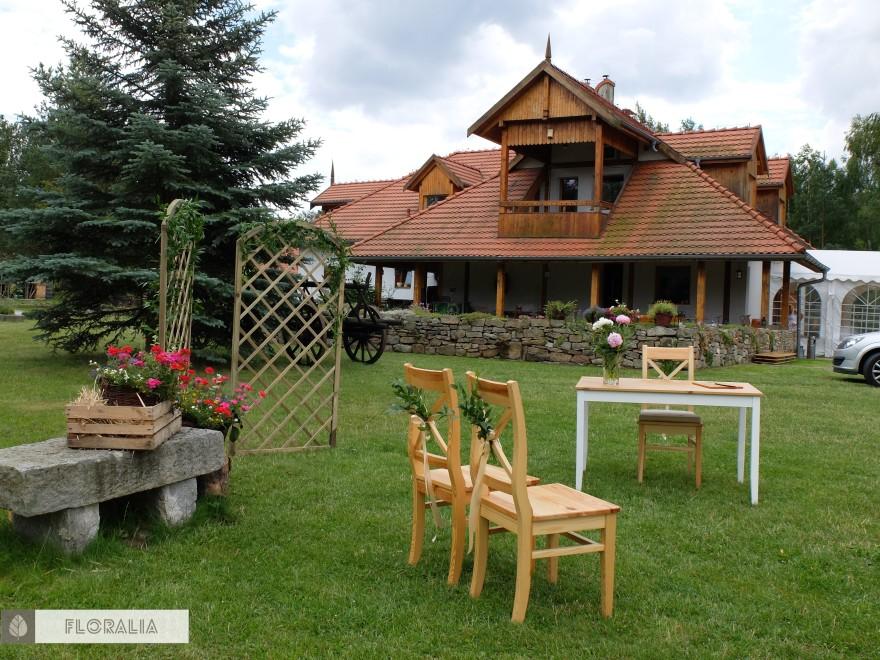 Dekoracje krzeseł ruskus FLORALIA 04