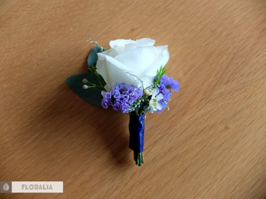 Dekoracje z hortensją w kolorze ciemnoniebieskim FLORALIA 06