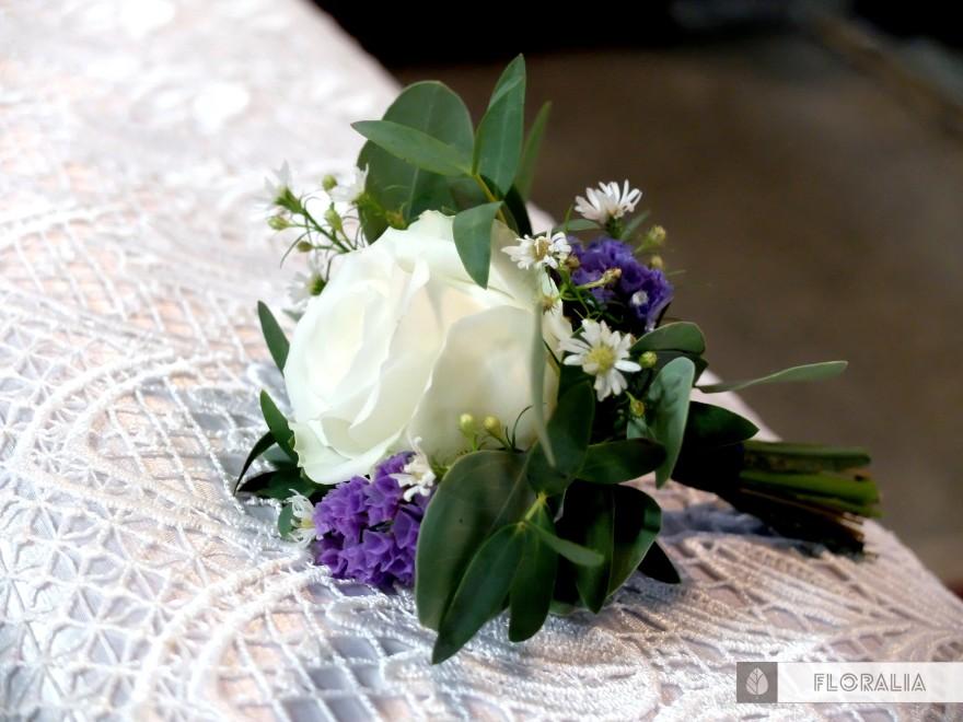 Dekoracje z hortensją w kolorze ciemnoniebieskim FLORALIA 08