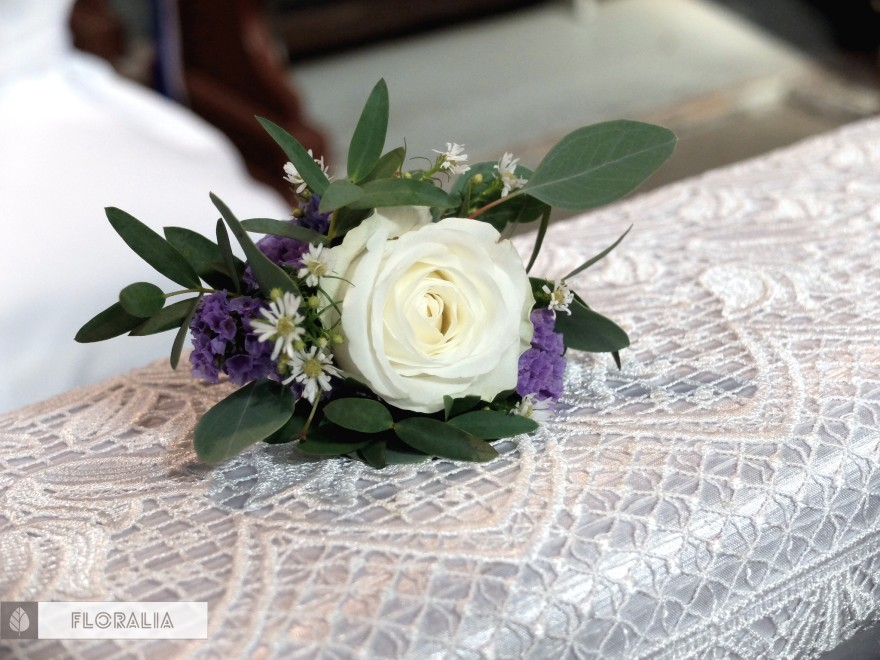 Dekoracje z hortensją w kolorze ciemnoniebieskim FLORALIA 09