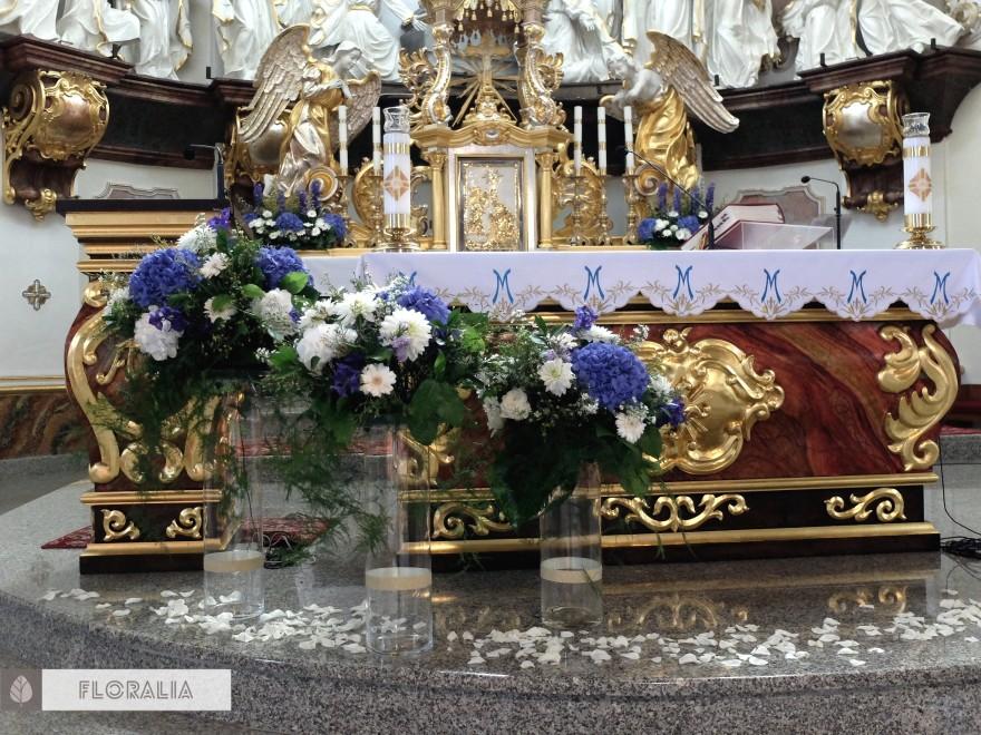 Dekoracje z hortensją w kolorze ciemnoniebieskim FLORALIA 11