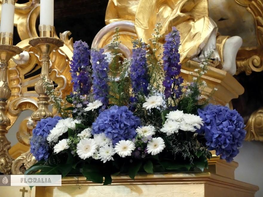 Dekoracje z hortensją w kolorze ciemnoniebieskim FLORALIA 12